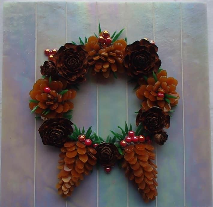 'Christmas Wreath'   Raewyn Beaver